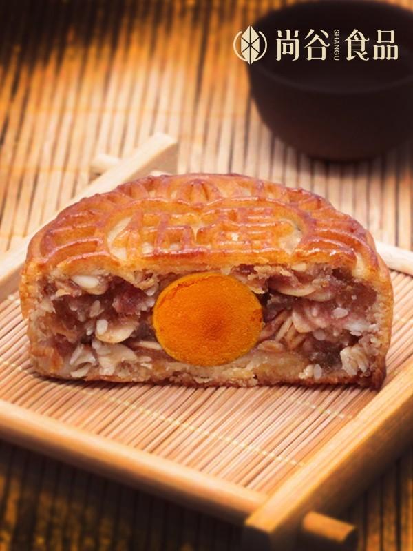 蛋黄伍仁月饼